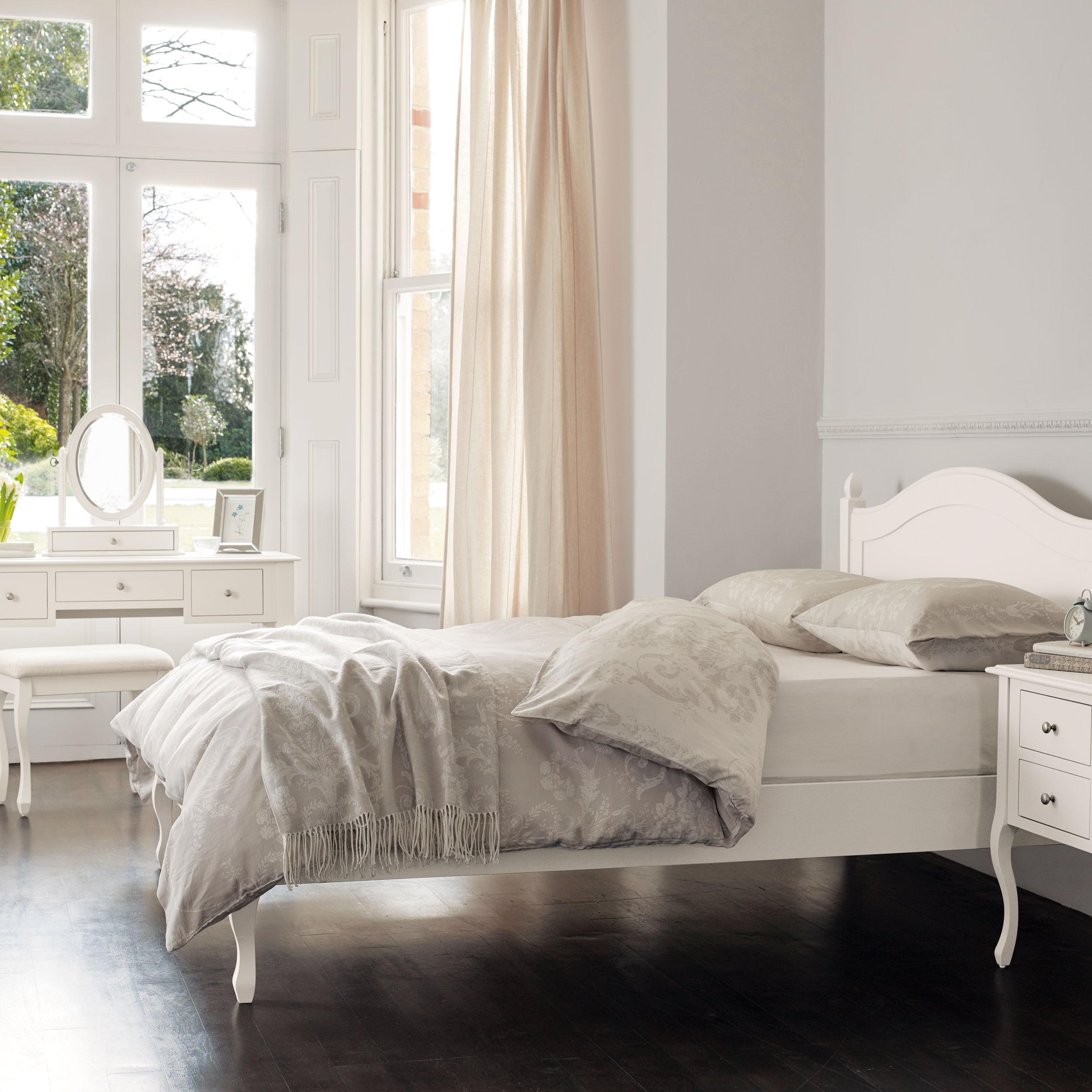 Tienda online de muebles para el sal n comprar muebles for Salon laura ashley